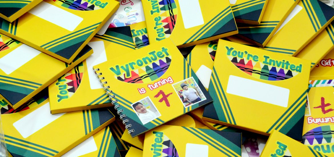 crayola themed invitations, crayola birthday invitations, crayola themed birthday, crayola invitations, crayola favor boxes,